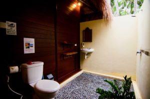Ceningan Resort-bathroom