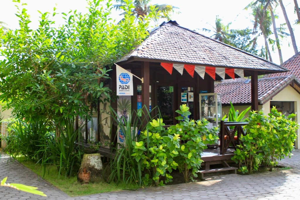 Ceningan Resort and Ceningan Divers office